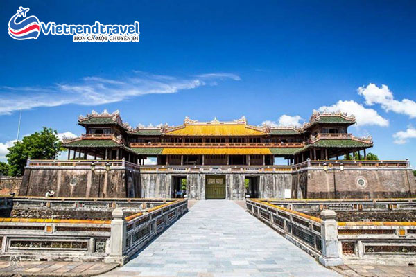 kinh-thanh-hue-vietrend-travel