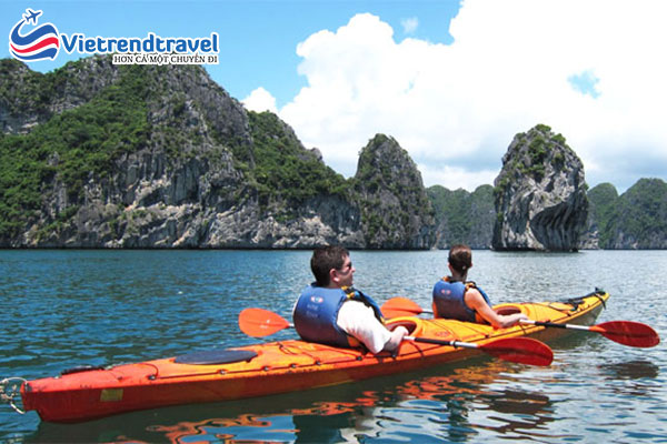 cheo-thuyen-kayak-tai-vinh-ha-long-vietrend-travel