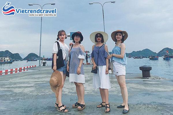 hinh-anh-khach-du-lich-cua-vietrend-travel-tai-ha-long5
