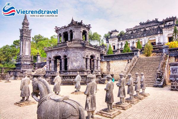 lang-khai-dinh-vietrend-travel
