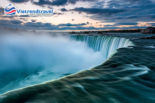 thac-nuoc-niagra-my-vietrend-travel
