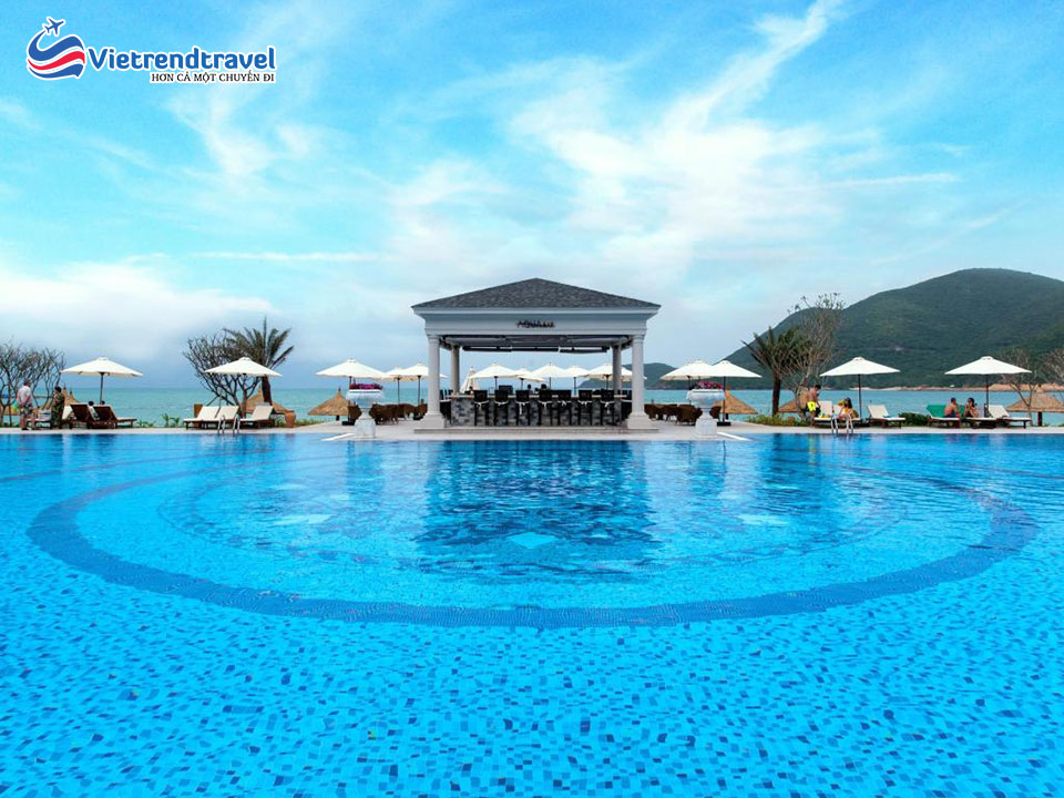 vinpearl-discovery-1-nha-trang-be-boi-vietrendtravel